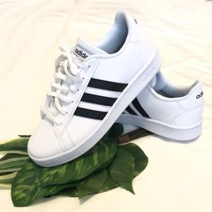 NWT & Box Grand Court K Adidas Tennis Sneaker